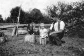 KGU786   70 Probably Henry Albert Gummer with son Gordon
