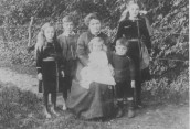 PPA278 The Lawrence family in late 1914 or early 1915
