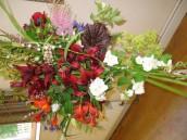 COF505 June 2011 Gardening Club Tea Party - Flower arrangement by Charo Ritchie (3)