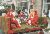 PPR387 1979 Mother & Baby Group Float